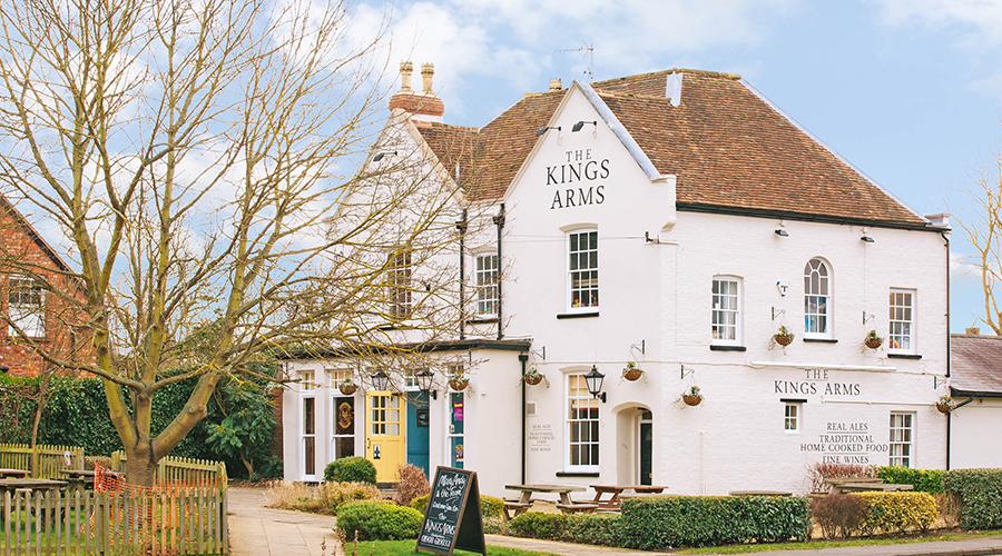 exterior of Kings Arms Newport Pagnell